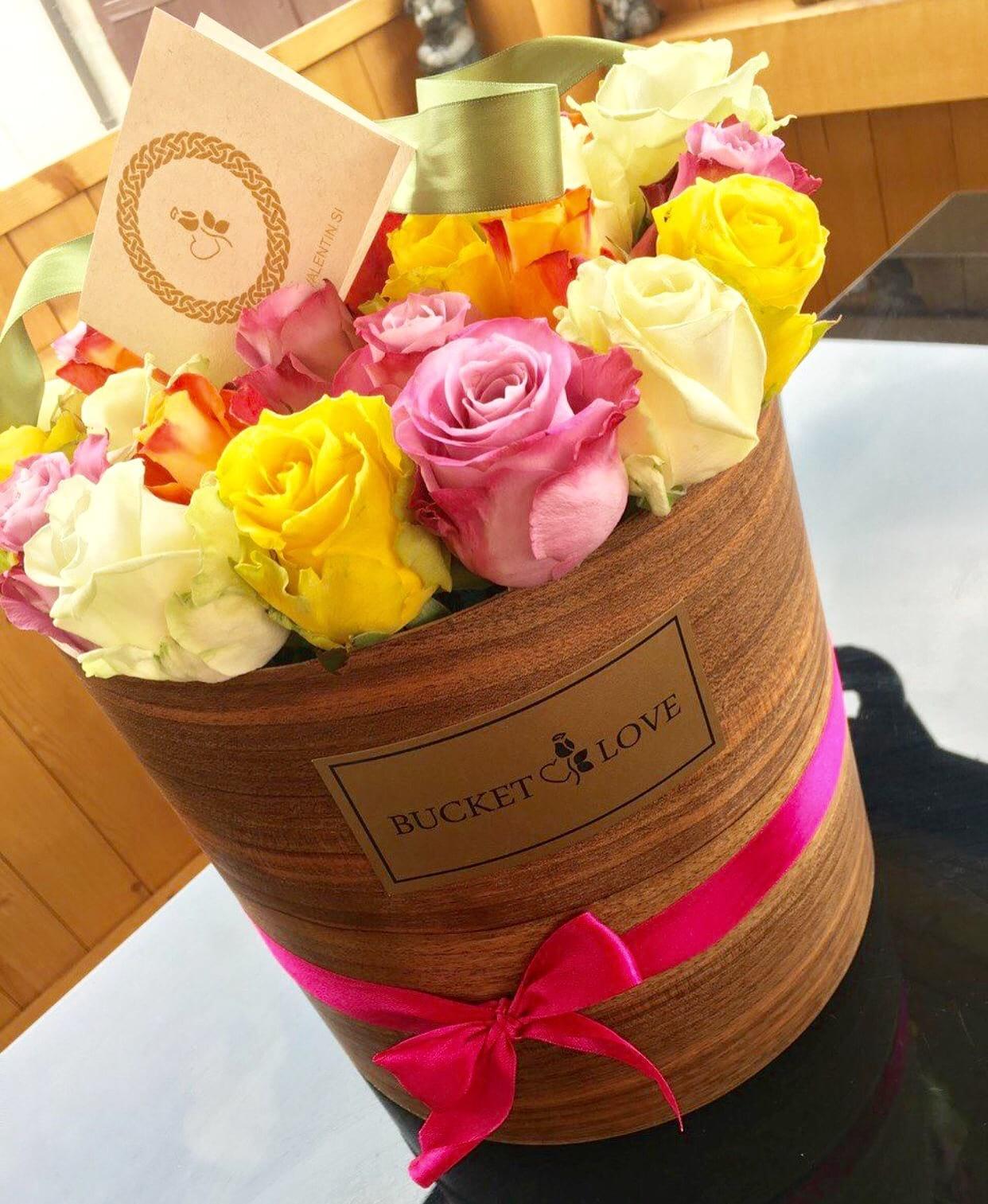 Bucket Of Love Bucket Of Love Online Flower Shop